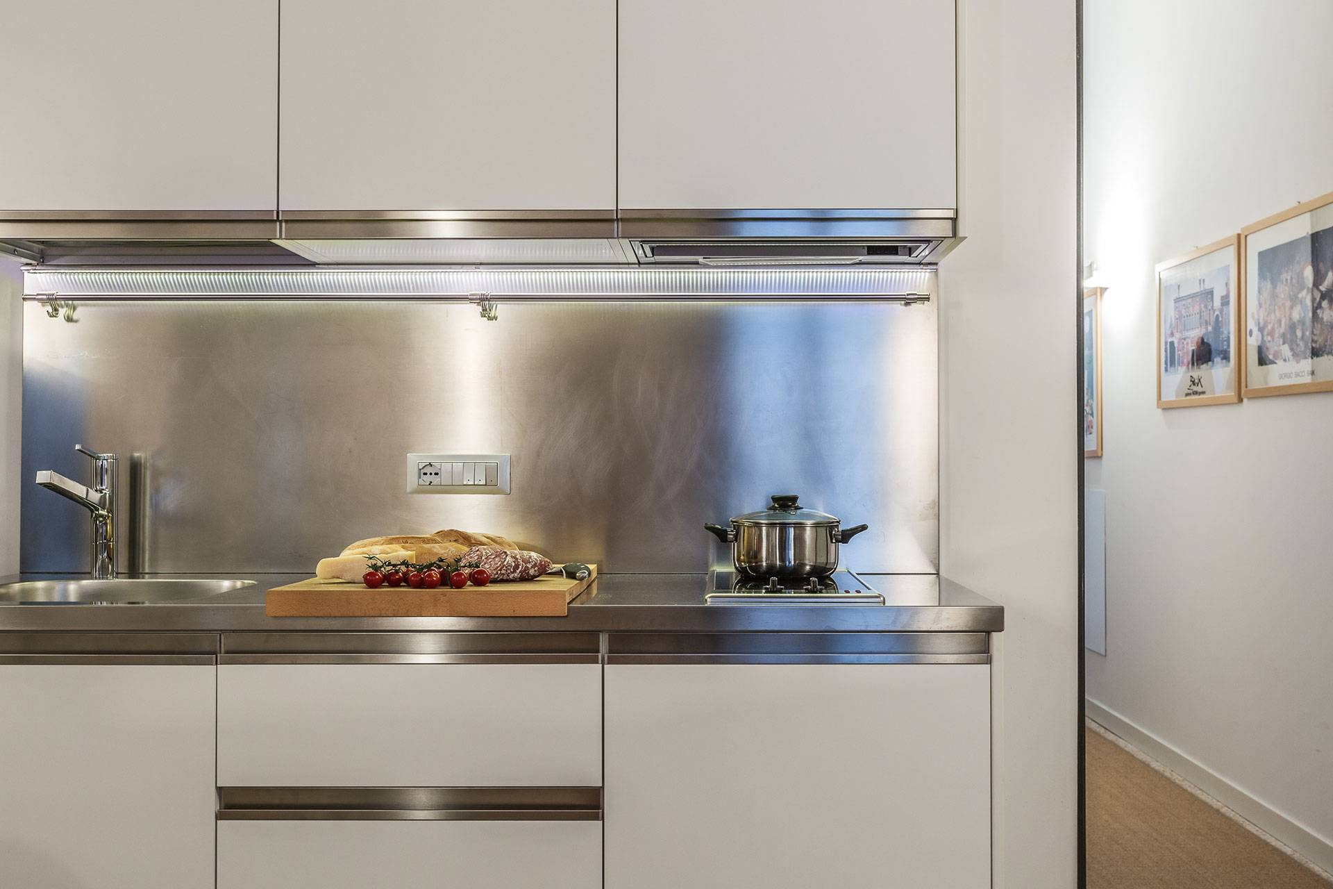 stainess steel kitchen and top level appliances