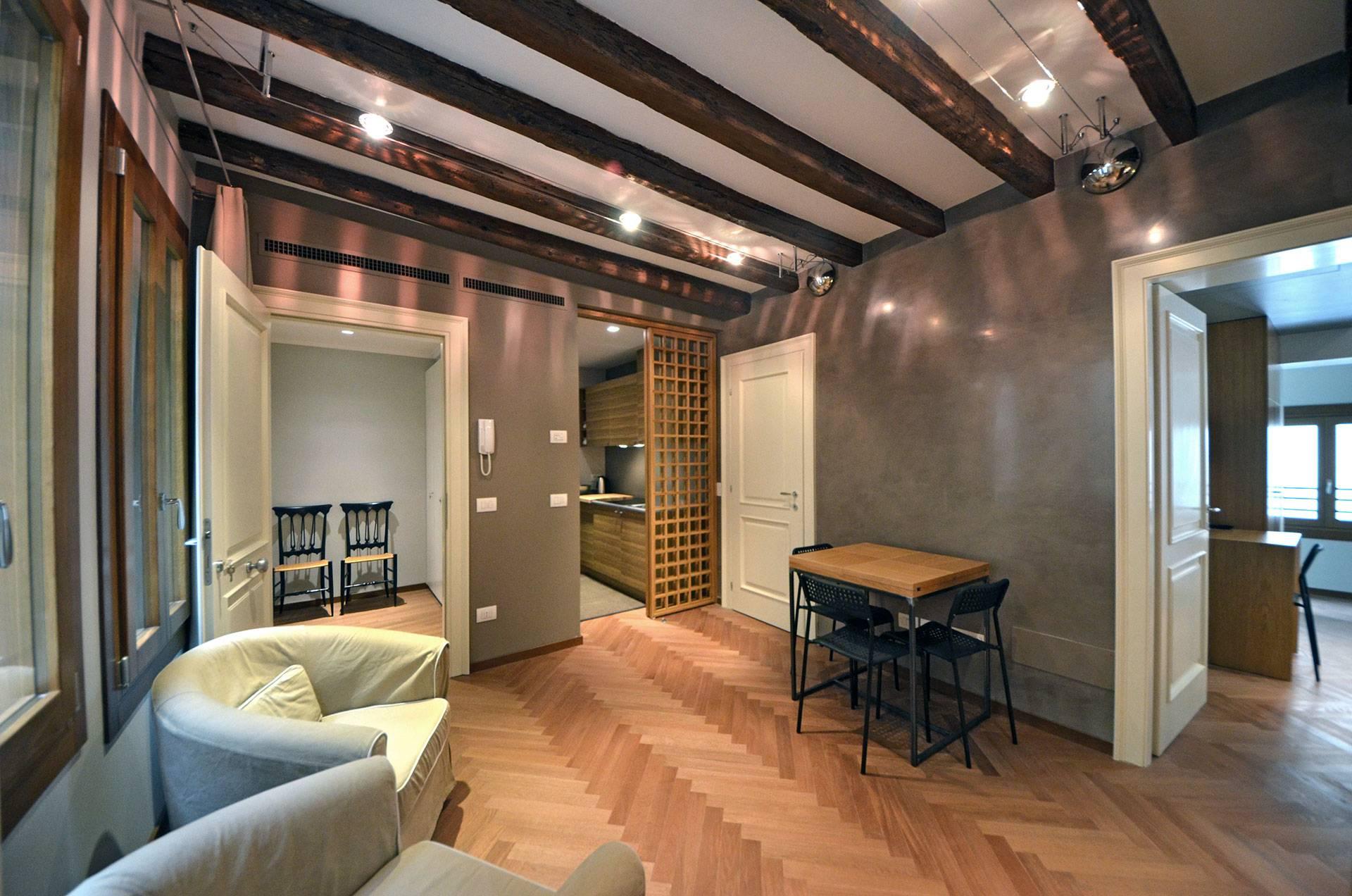 dining room of the Mastroianni Apartment