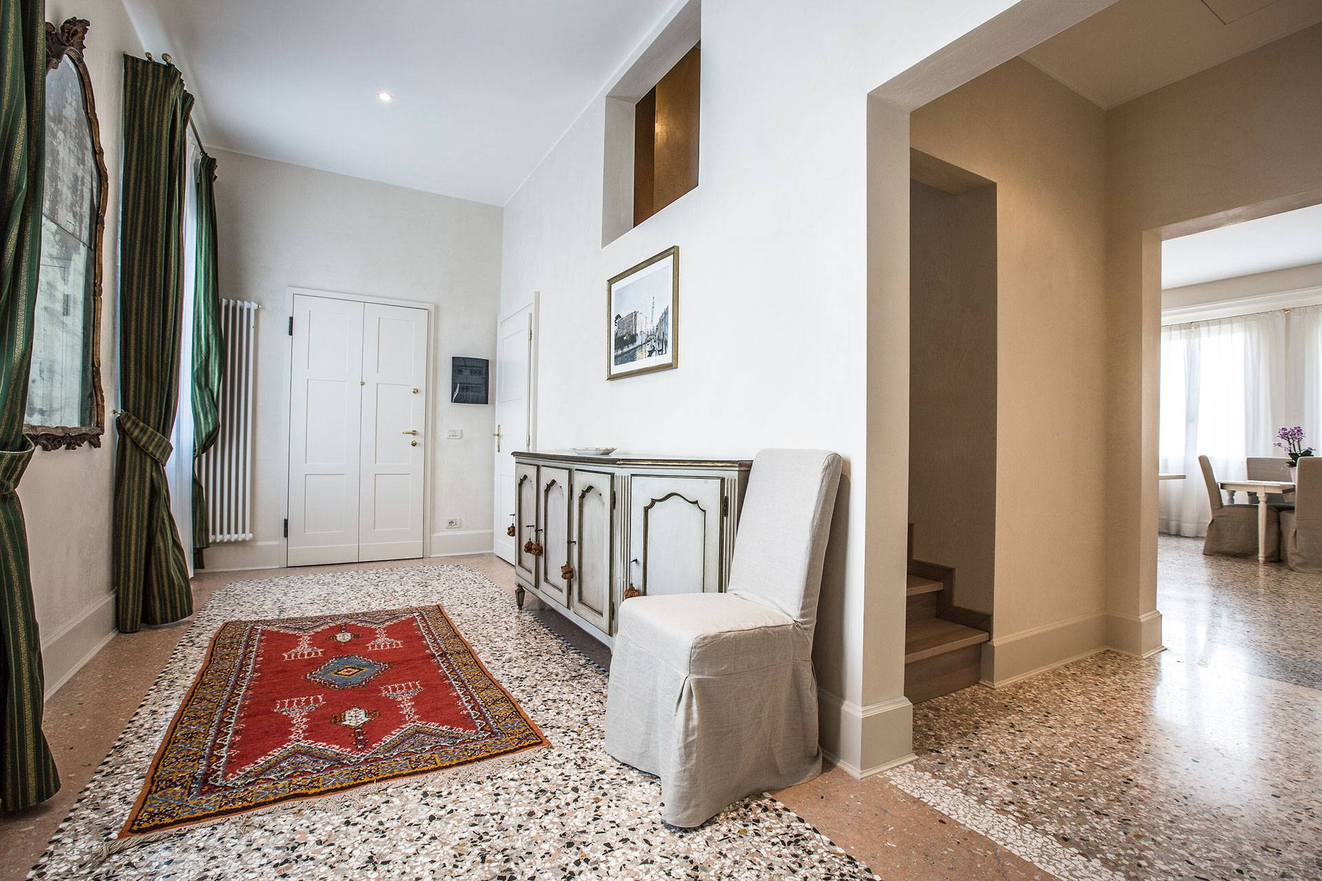 beautifully furnished entrance room