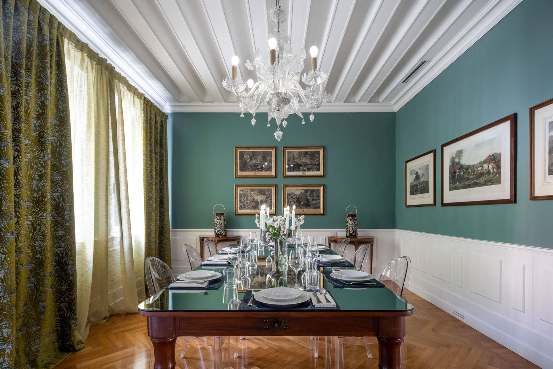 Classy and spacious dining room of the Dogaressa apartment