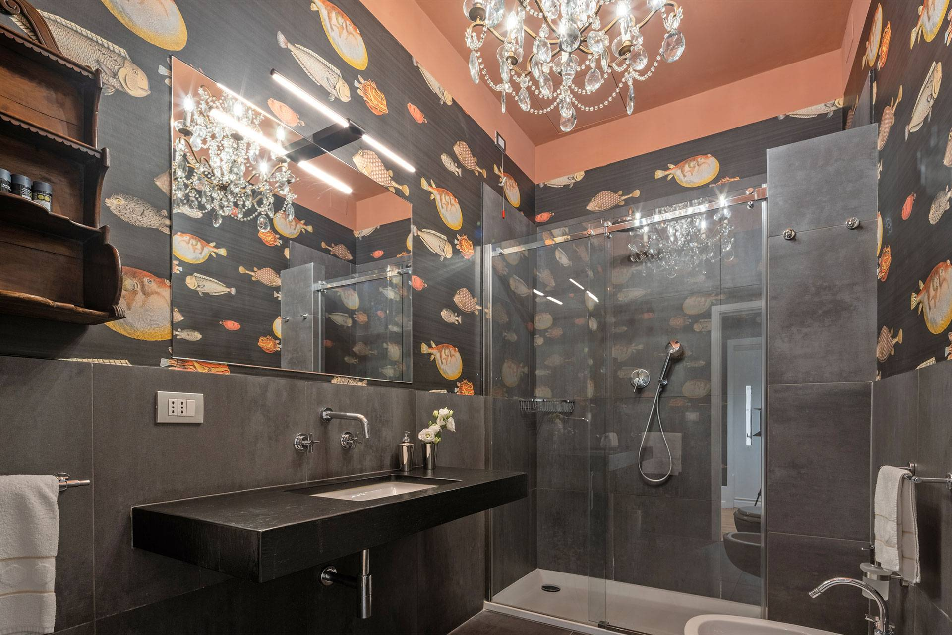en-suite bathroom of the Second bedroom